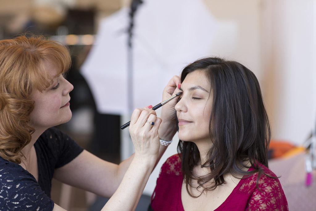 janet-price_doing-makeup